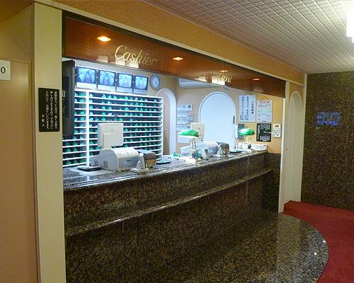 カプセルホテルのフロント