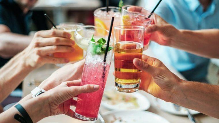 カクテル、酒、パーティー