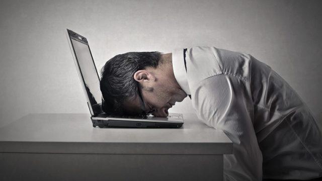 挫折、パソコン、PC