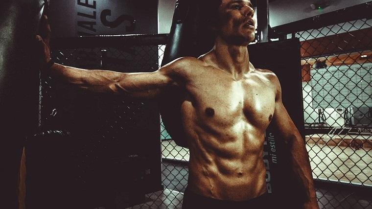 筋肉、マッチョ