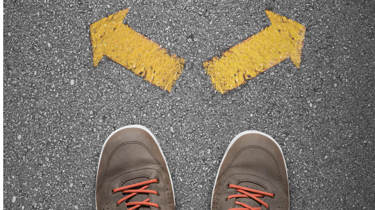 分かれ道、道、岐路